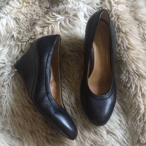 Vionic camden black leather wedge heels classic